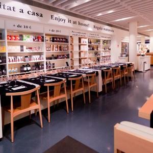 espacio público con silla Smile SI-0325 Andreu World