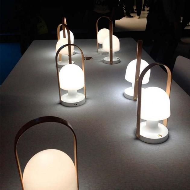 mesa con lámparas portátiles FollowMe Marset