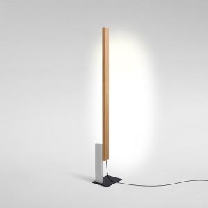 Lámpara de pie High Line Marset Roble con luz