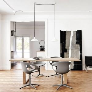 Ambiente oficina con Lámpara colgante Kaiser color blanco de Fritz Hansen