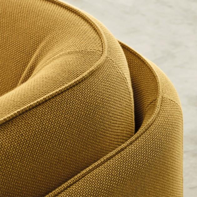 Butaca Numeral diseñada por Arnau-Reyna para Carmenes