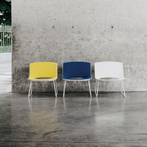 Butaca Oh! de Enea Design con base cromada en Moises Showroom