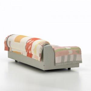 Sofá Vlinder diseñado por Hella Jongerius para Vitra en Moises Showroom