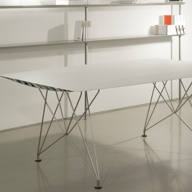 Mesa Table B Steel de BD Barcelona en Moises Showroom