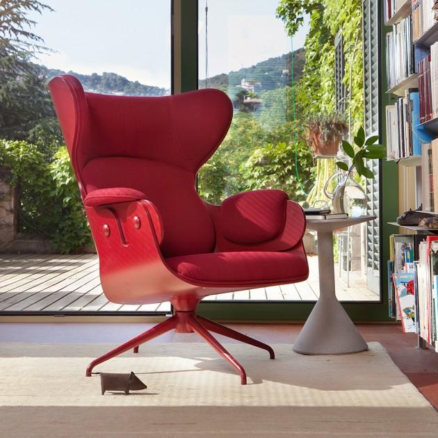 Butaca Lounger lacada diseñada por Jaime Hayon para BD Barcelona en Moises Showroom