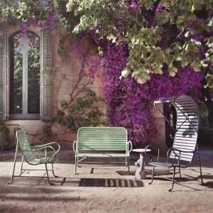Sillón con pérgola Gardenias de BD Barcelona en Moises Showroom