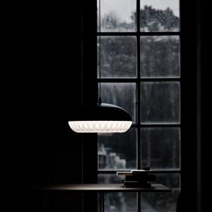 Ambiente con Lámpara Aeon Rocket P1 color negro Fritz Hansen