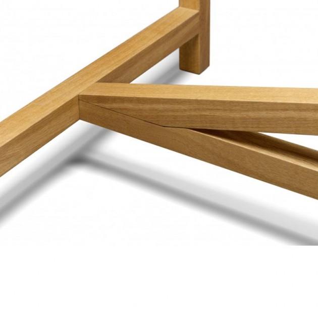 Detalle juntura patas Mesa Platz de e15. Disponible en Moisés showroom