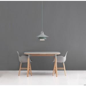 ambiente interior colección Silla y mesa Form de Normann copenhagen.