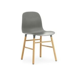 comprar Silla Form color gris patas roble de Normann copenhagen.