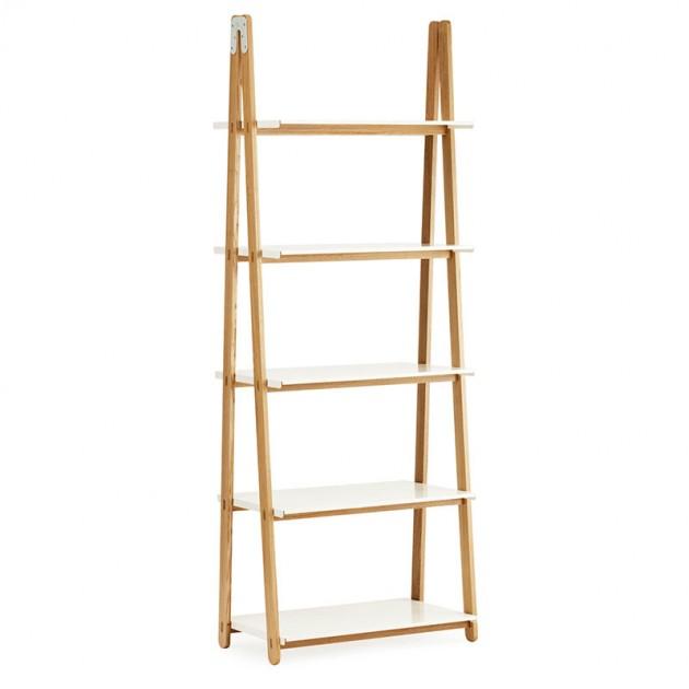 Estantería One Step Up Bookcase alta color blanco de Normann Copenhagen