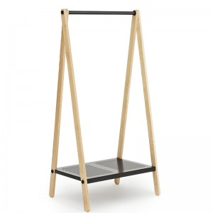 Toj Clothes Rack pequeña color negro de Normann Copenhagen