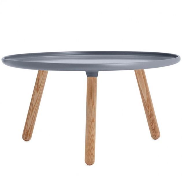 Mesa grande Tablo color gris patas fresno de Normann Copenhagen.