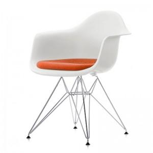 Silla DAR con asiento tapizado de Vitra en Moises Showroom