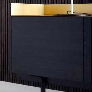 detalle madera roble teñido ebano Aparador Stockholm 401 tapa oro de punt Mobles