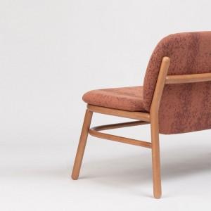 Respaldo sillón doble Lana madera respaldo bajo de Ondarreta en Moises Showroom