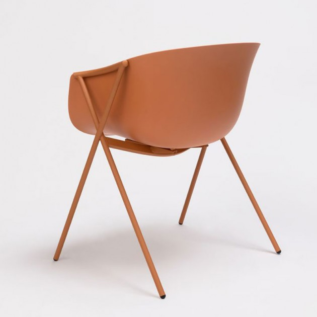Trasera silla Bai polipropileno de Ondarreta en Moises Showroom
