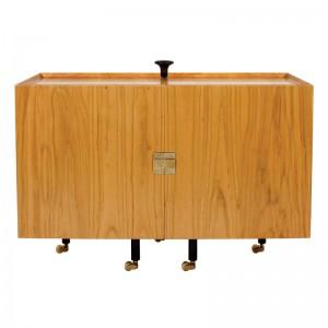 Cabinet Glove cerrado de Finn Juhl en Moises Showroom