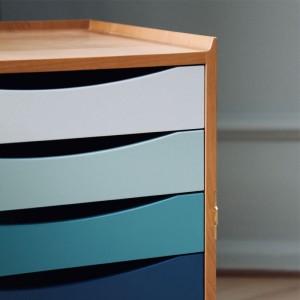 Detalle cajones colores Glove Cabinet