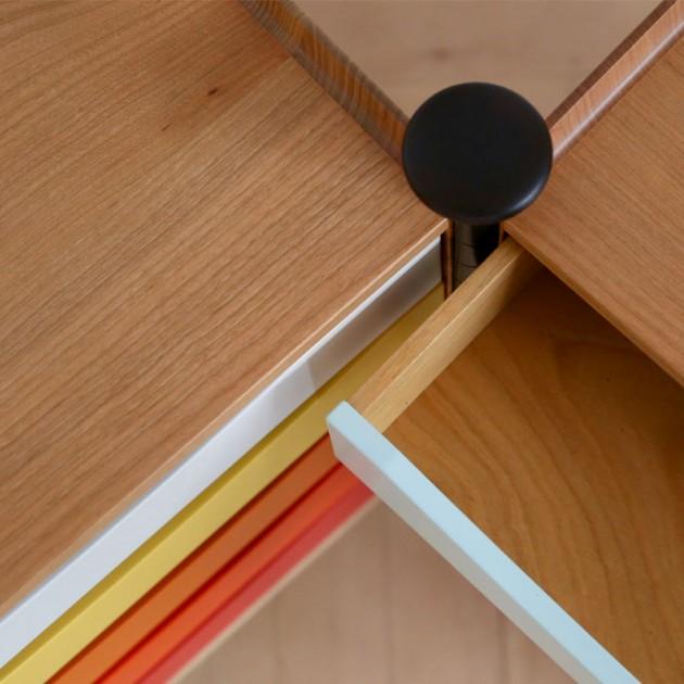 Detalle apertura glove cabinet