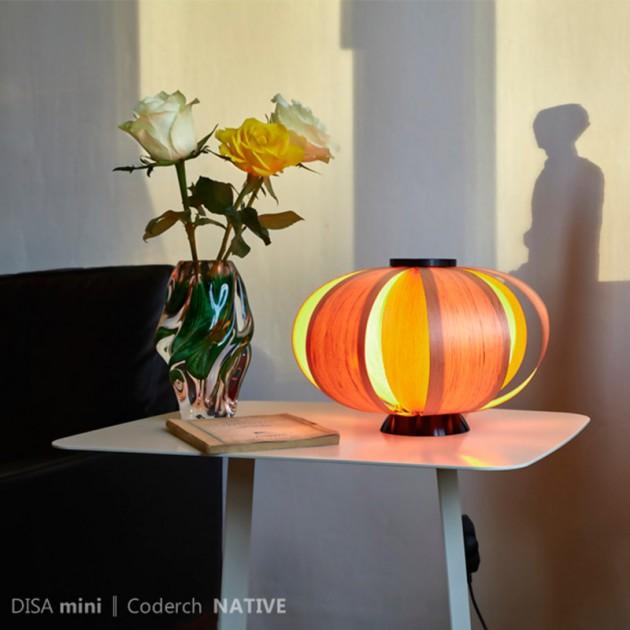 Foto de ambiente de la lámpara Disa mini versión madera
