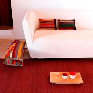 salón ambiente alfombra Vegetal Nanimarquina granate