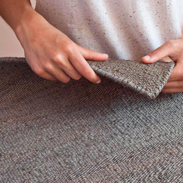 detalle alfombra Vegetal Nanimarquina gris