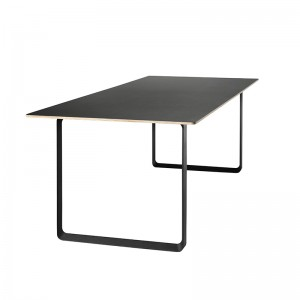Mesa 70/70 de Muuto en Moises Showroom color negro