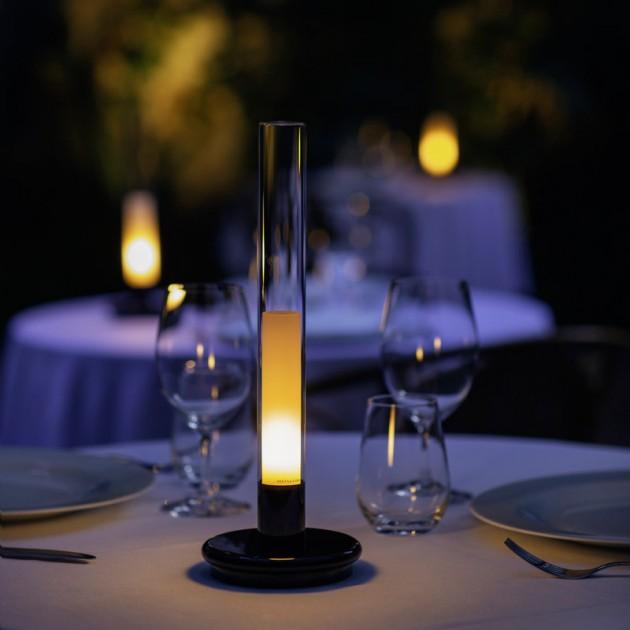 Restaurante con lamparas Sylvestrina Santa y Cole