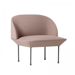 Oslo Lounge chair de Muuto Fiord551 en Moises Showroom