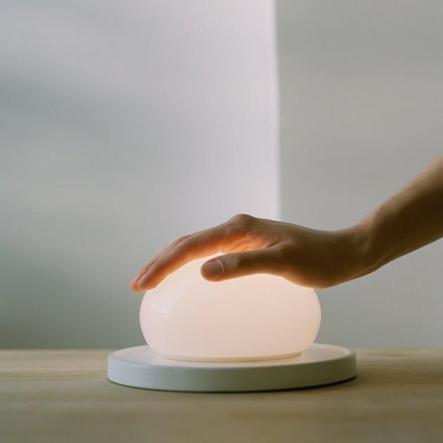 lámpara sobremesa Bolita Marset táctil