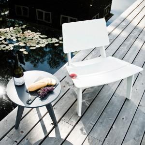 butaca y mesa de exterior Loll Designs