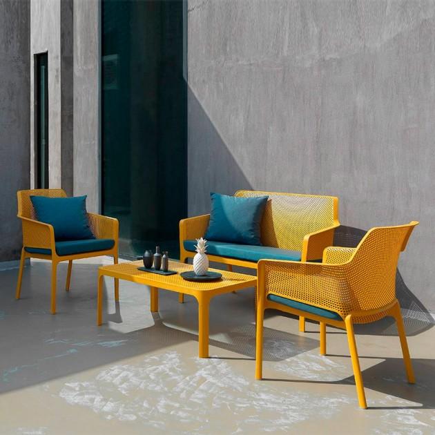 ambiente exterior con colección Net Nardi senape