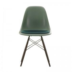 Eames Fiberglass side chair DSW cojín de asiento pata arce negro Vitra