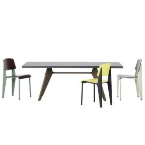 Mesa EM HPL de Vitra diseñada por Prouve en Moises Showroom