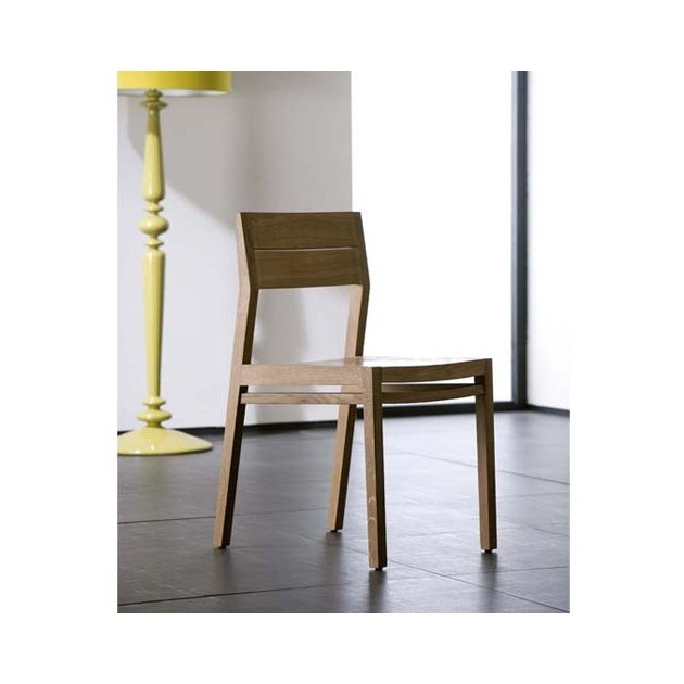 ex 1 silla roble ambientada