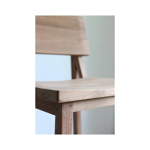 Detalle madera de roble en taburete N4 ethnicraft