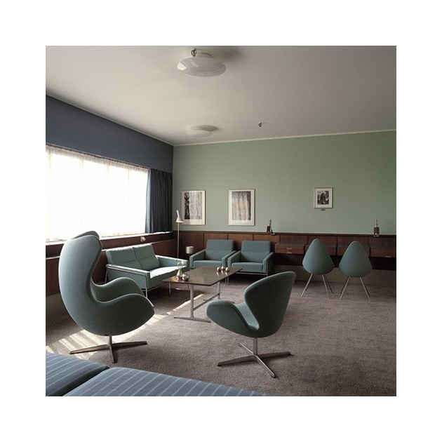 Silla Drop tapizada de Fritz Hansen en Moises Showroom 5