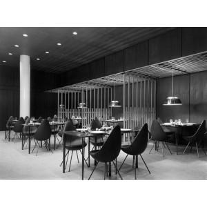 Silla Drop tapizada de Fritz Hansen en Moises Showroom 6