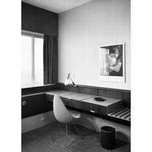 Silla Drop tapizada de Fritz Hansen en Moises Showroom 8