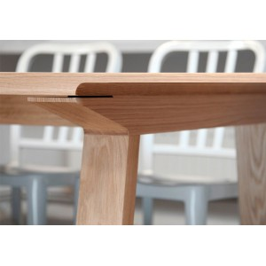 detalle madera roble Mesa rectangular Mitis Punto Mobles